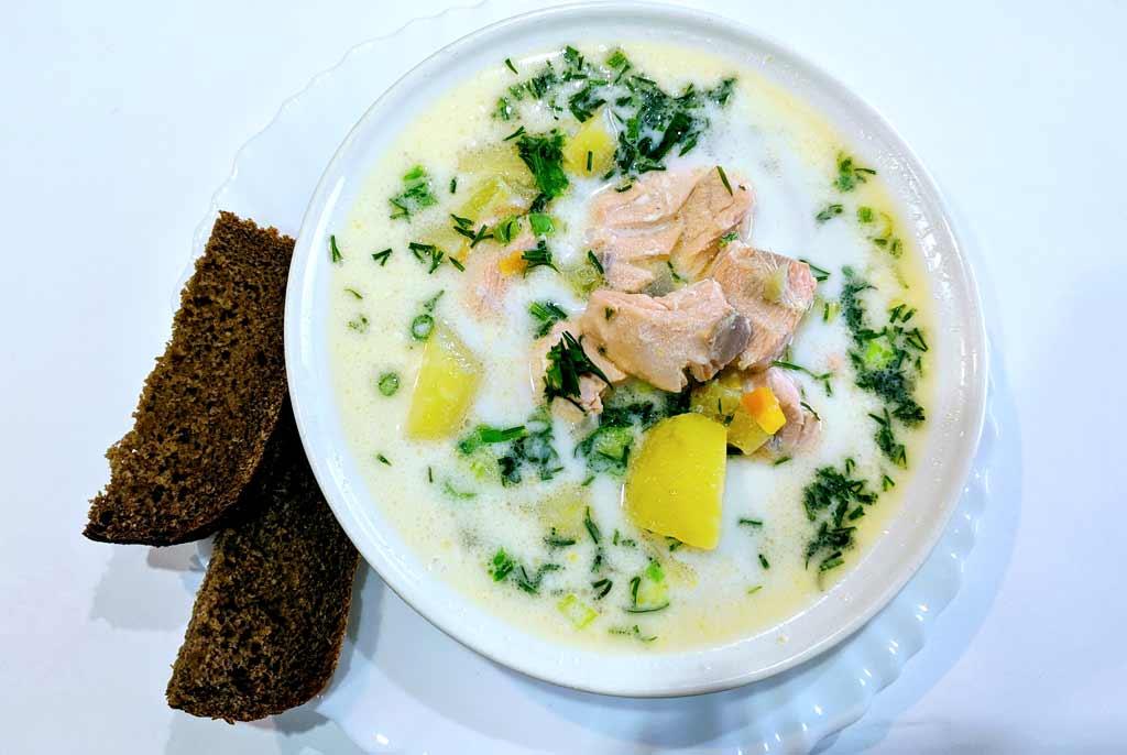 Рыбный суп с лососем - финская уха
