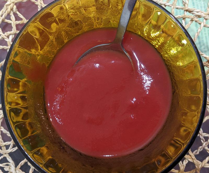 томатную пасту развести водой