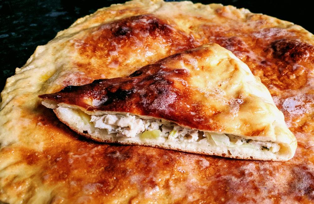 Пирог с куриным филе и картошкой