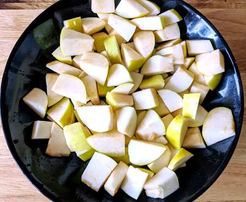 Шарлотка с яблоками без масла
