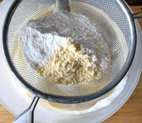 Шарлотка из рисовой муки
